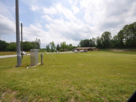 0  North Main Street, Hendersonville, NC - USA (photo 4)