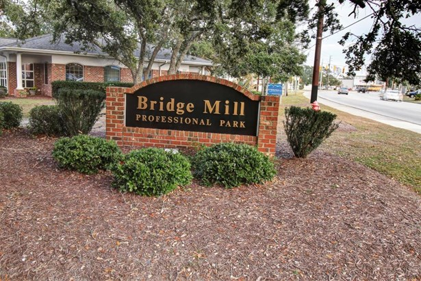 3010 Bridges Street, Morehead City, NC - USA (photo 1)