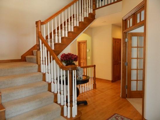 Stairs (photo 3)