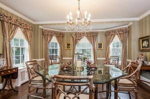 Huge Dining Room (photo 5)