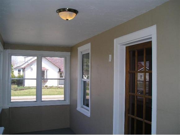 Enclosed Porch (photo 3)