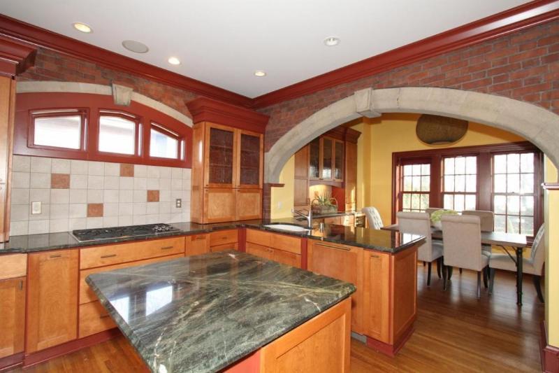 Chef's KIT w/Orig Stone Arches & Brick (photo 5)