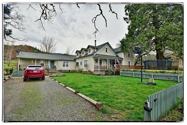 4009 Griffin Creek Rd , Medford, OR - USA (photo 1)