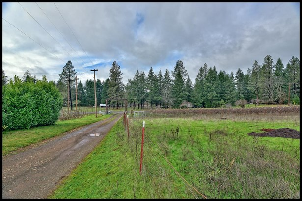 4464 Dick George Rd , Cave Junction, OR - USA (photo 2)