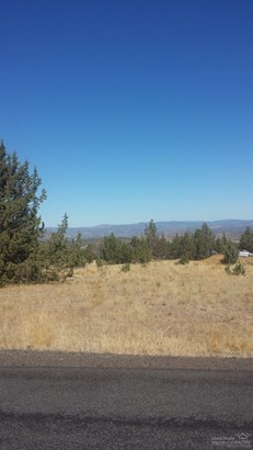6399 Southeast Juniper Canyon Road , Prineville, OR - USA (photo 1)