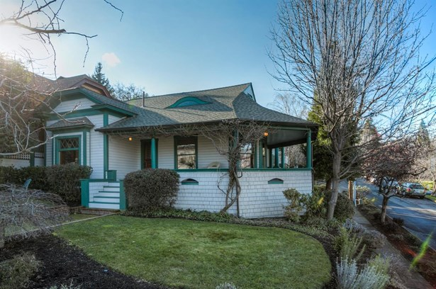 19 Gresham & 374 Hargadine St , Ashland, OR - USA (photo 2)