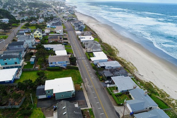 3824 Nw Jetty Ave , Lincoln City, OR - USA (photo 4)