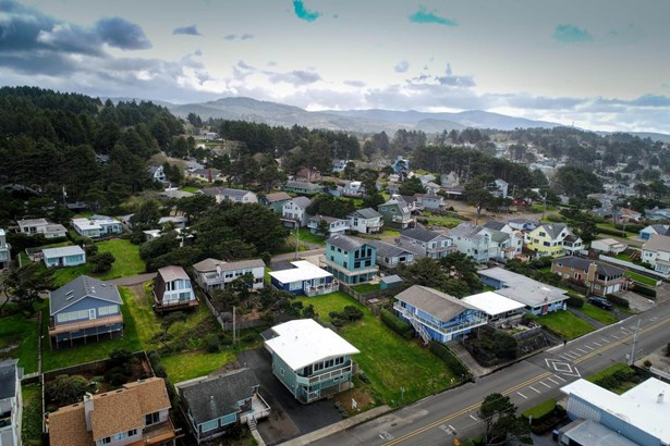 3824 Nw Jetty Ave , Lincoln City, OR - USA (photo 5)