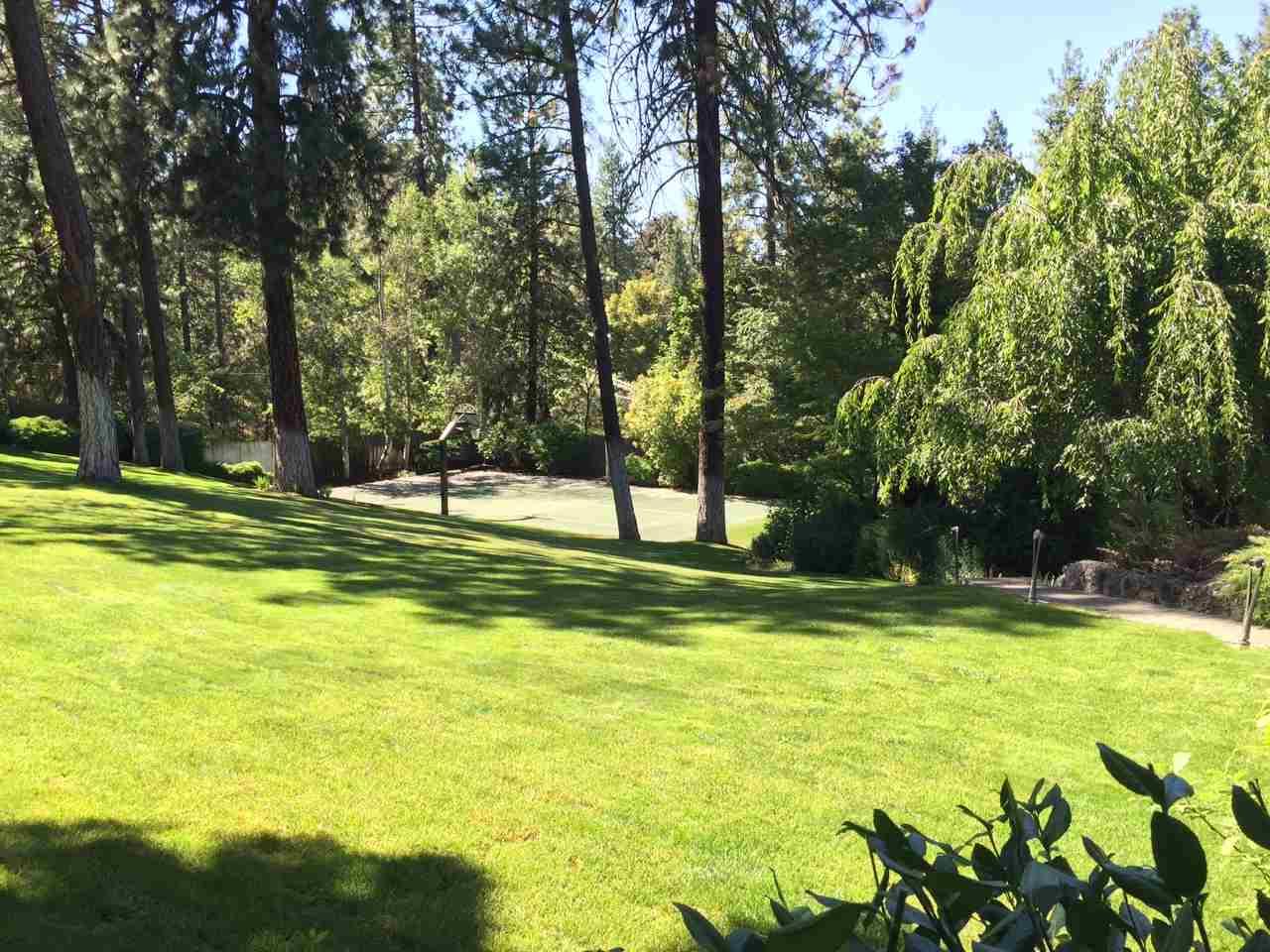 1612 S Crest Hill Dr , Spokane, WA - USA (photo 2)