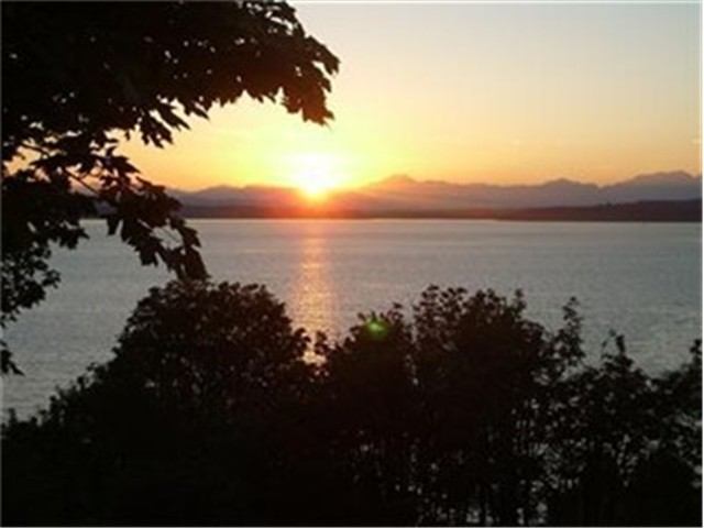 5426 Beach Dr Sw , Seattle, WA - USA (photo 1)