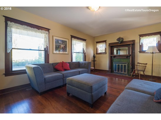 2035 Thatcher Rd , Forest Grove, OR - USA (photo 2)