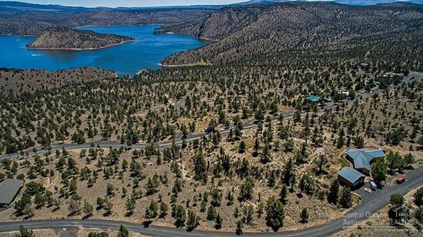 7906 Southeast Davis Way , Prineville, OR - USA (photo 3)