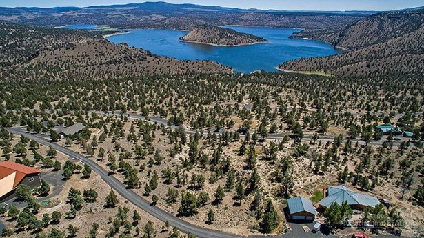 7906 Southeast Davis Way , Prineville, OR - USA (photo 4)