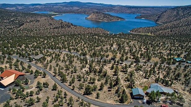 7906 Southeast Davis Way , Prineville, OR - USA (photo 5)