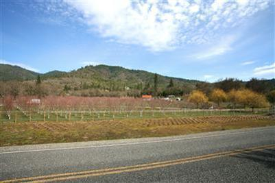 420 Ne Greenfield Rd , Grants Pass, OR - USA (photo 3)