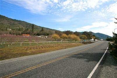 420 Ne Greenfield Rd , Grants Pass, OR - USA (photo 4)