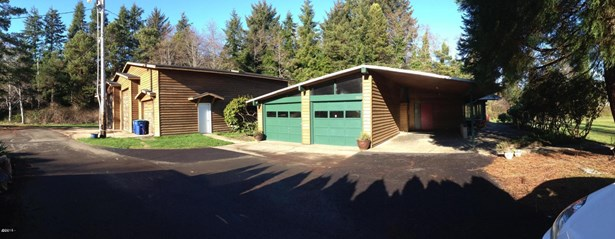 3562 Ne West Devils Lake Rd , Lincoln City, OR - USA (photo 4)
