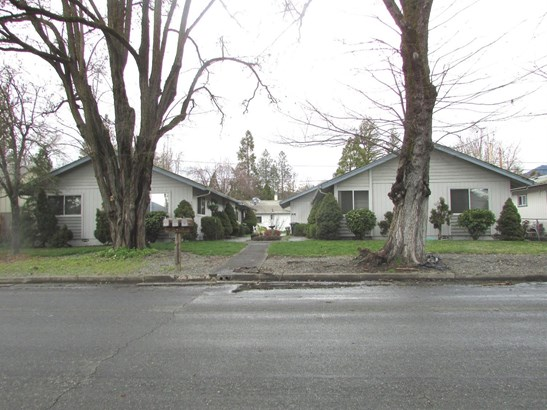 714 Sw I St , Grants Pass, OR - USA (photo 1)