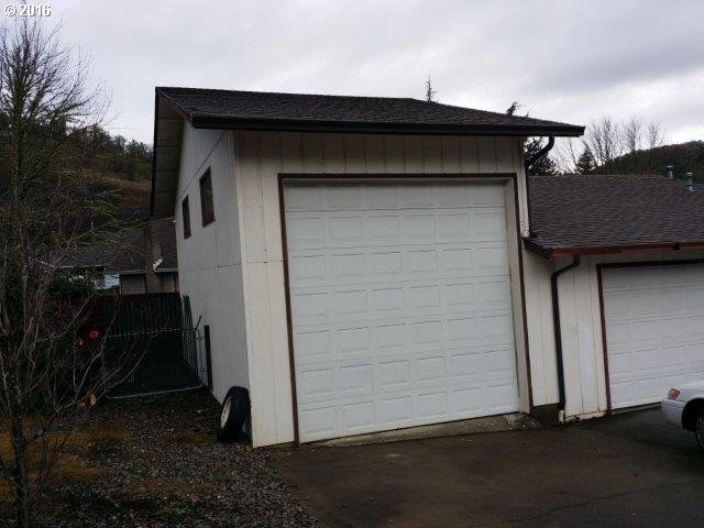 1936 Nw Sunberry Dr , Roseburg, OR - USA (photo 2)