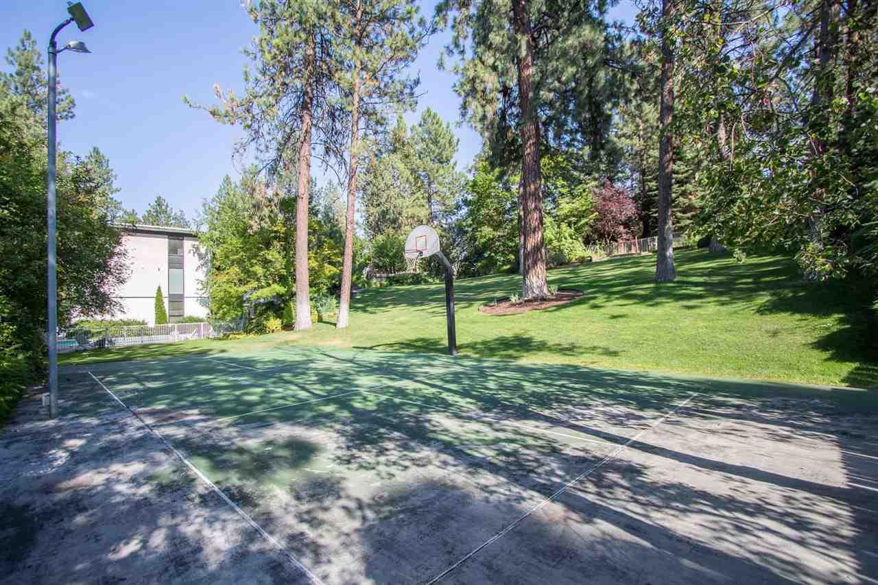 1606 S Crest Hill Dr , Spokane, WA - USA (photo 3)