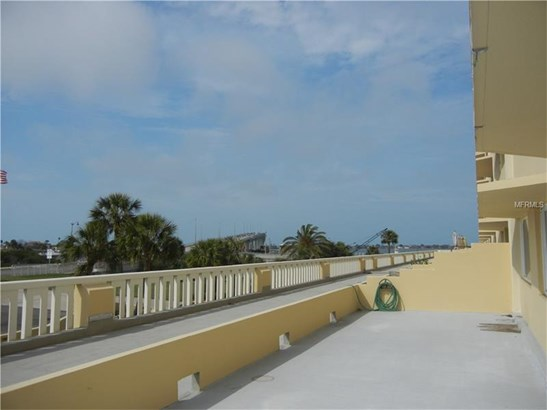 Condo - BELLEAIR BLUFFS, FL (photo 5)
