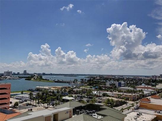 Condo, Contemporary - CLEARWATER BEACH, FL (photo 4)