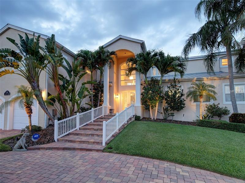 Single Family Home, Contemporary - BELLEAIR BEACH, FL (photo 1)