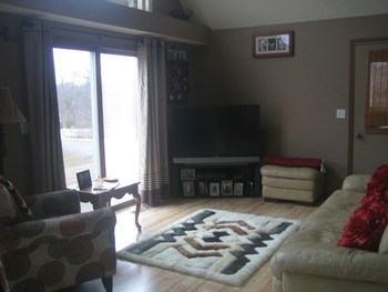 Lots of natural light in the home! (photo 2)