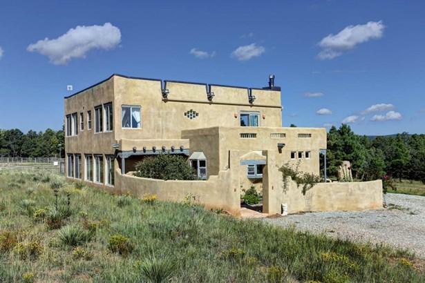Northern New Mexico,Pueblo, Detached - Tijeras, NM (photo 3)