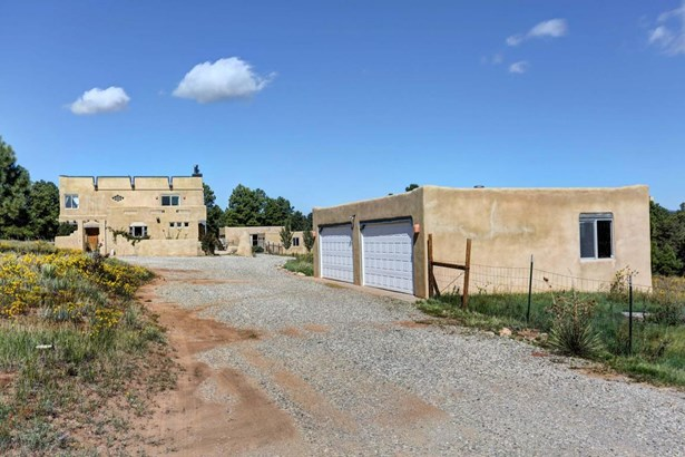 Northern New Mexico,Pueblo, Detached - Tijeras, NM (photo 5)