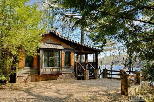 Single Family Home,2.5 Story, 2.5 Story - Glenville, NC (photo 2)