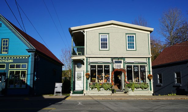 525 Main Street, Mahone Bay, NS - CAN (photo 2)