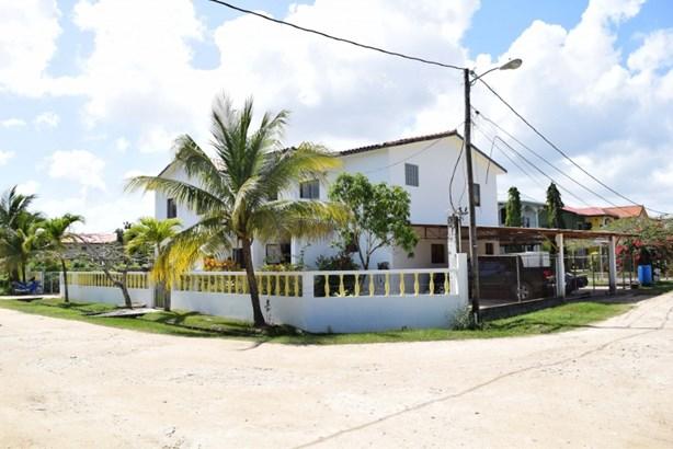 Ramon's Community, Belize District - BLZ (photo 2)