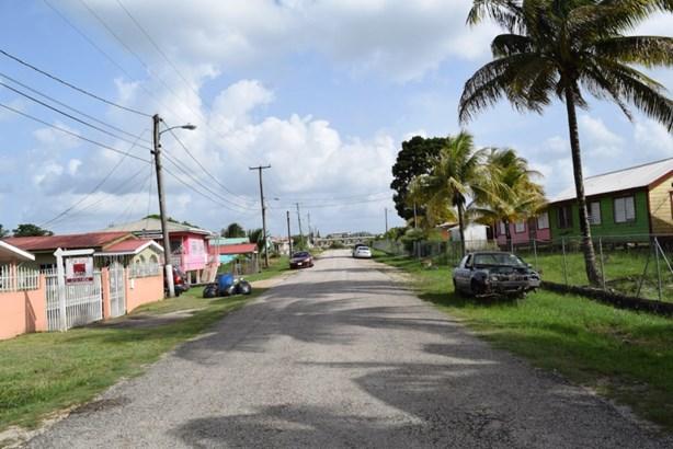 4 Rose Garden Street, Belmopan - BLZ (photo 2)