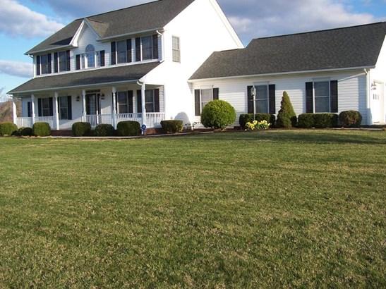 Single Family Detached, Colonial - Fincastle, VA (photo 1)