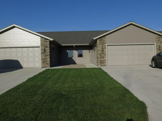 3329 Prairie Meadows Drive, Milford, IA - USA (photo 2)