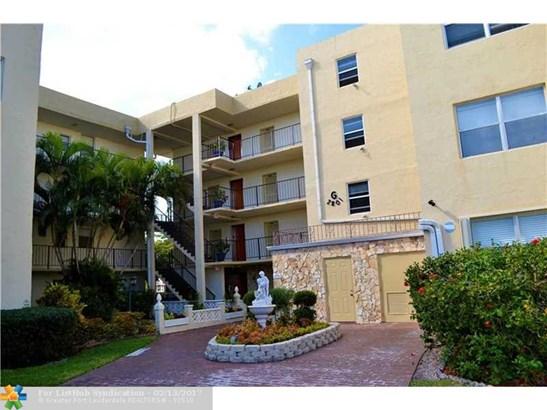 Condo/Co-Op/Villa/Townhouse, Condo 1-4 Stories - Lauderdale Lakes, FL (photo 1)