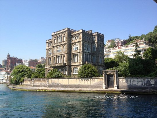 Ayikcan Em, Istanbul - TUR (photo 2)