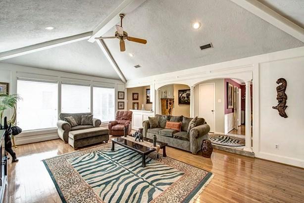 Cross Property, Contemporary/Modern - Houston, TX (photo 2)