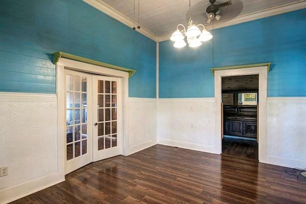Traditional, Cross Property - Livingston, TX (photo 4)