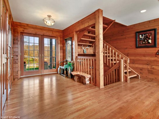 1.5 Story, Log Home - Elkhorn, WI (photo 2)