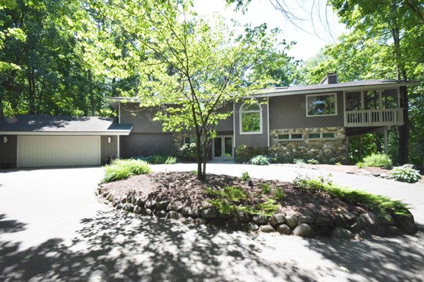 Water Access/Rights,Wooded Lot, 2 Story - Fontana, WI (photo 2)
