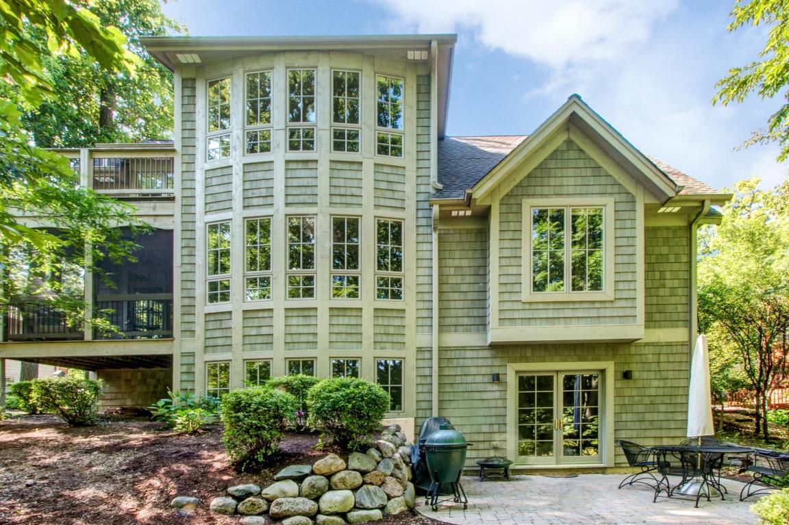 2 Story - Single Fam/Detached,View of Water,Water Access/Rights,Wooded Lot (photo 1)
