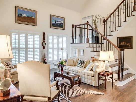 Residential Detached, Traditional - Sandy Springs, GA (photo 5)