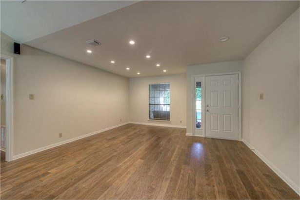 8014 Forest Mesa Dr, Austin, TX - USA (photo 4)