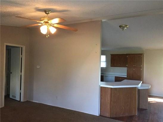 104 Brizendine Ave, Florence, TX - USA (photo 5)