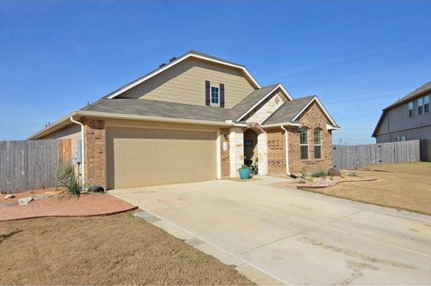 515 Hyltin St, Hutto, TX - USA (photo 4)