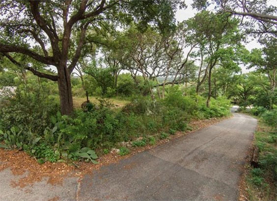 1121 Robert E Lee Rd, Austin, TX - USA (photo 2)
