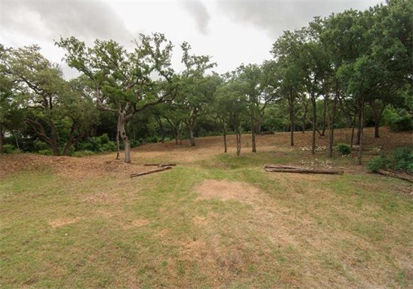 1121 Robert E Lee Rd, Austin, TX - USA (photo 4)