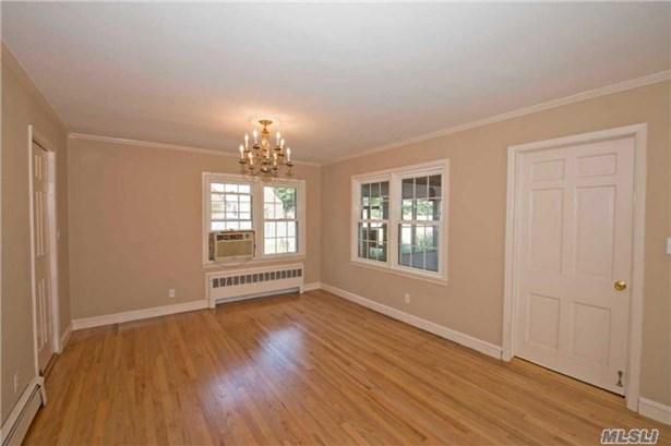 Residential, Exp Cape - Islip, NY (photo 4)